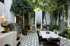 Gorgeous outdoor dining space