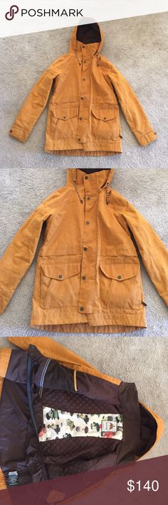 Burton Women's Size Medium Fremont Jacket Size medium! Women's Snowboard Jacket from Burton Snowboards. Color is Squashed Waxed. Great Condition! Keeps you super warm on and off the hill! Burton Jackets & Coats