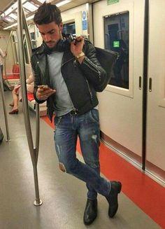 58 Best Winter Men Fashion with Urban Style - Jeans - Urban Fashion, Mens Fashion, Fashion Outfits, Street Fashion, Fashion Photo, Fashion Fashion, Winter Fashion, Fashion Trends, Moda Men