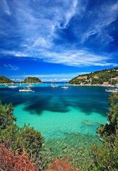Paxos Greece, Corfu, Beautiful Islands, Beautiful Beaches, Paxos Island, Greek Beauty, Road Trip Europe, Greece Islands, Sunset Landscape