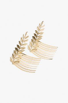 For all our Monki goddesses, decorative hair combs to take your golden goddessness to the next level!