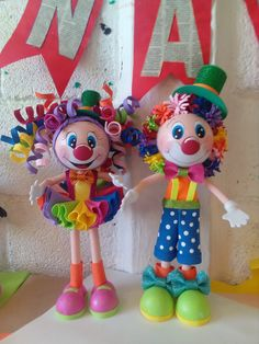 Clown Party, Circus Theme Party, Party Themes, Baby Girl 1st Birthday, Circus Birthday, Foam Crafts, Diy Crafts, Carnival Party Decorations, Art For Kids