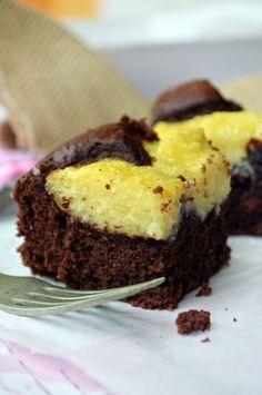 Kakaós, puha piskótában, lágy, kókuszos pudingfoltok... Sweet Cookies, Cake Cookies, Cupcake Cakes, Cupcakes, Ale, Muffin, Food And Drink, Sweets, Baking