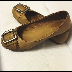 Fossil brown leather flats Used. I just broke them in for ya!  Fossil Shoes Flats & Loafers