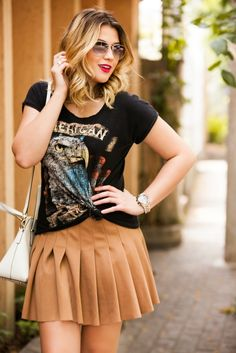 Look do dia: camiseta preferida + saia plissada