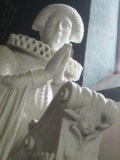 Eglise de Gizeaux: tombeau