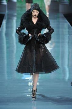 Christian Dior Fall 2008 Couture Collection Photos - Vogue