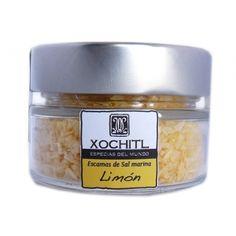 Sal en escamas sabor limón, su proceso de producción puede tardar hasta dos años, con el fin de lograr el equilibrio perfecto entre el tiempo y la temperatura para crear la textura y el sabor.