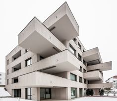 Completed in 2016 in Rain, Switzerland. Images by Aytac Pekdemir. The densification on the main street is carried out by a volumetrically structured building. The North facade leans against the street space in the...