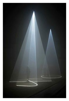 Anthony McCall. Between You and I, 2006. Sixteenth Minute. Installation at Peer/The Round Chapel, London, 2006.