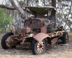 Photo Gallery: Abandoned Cars and Trucks Abandoned Cars, Abandoned Buildings, Abandoned Places, Abandoned Vehicles, Abandoned Property, Vintage Trucks, Old Trucks, Pickup Trucks, Automobile