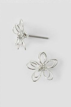 Becca Wire Flower Stud Earrings in Silver- Silver