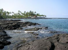 "2-step beach; one of my fave places in Kona to snorkel; you can see Pu'uhonua o Honaunau National Historical Park.  ""Place of Refuge at Honaunau."" You LITERALLY take 2 natural built-in steps in the lava rock, then *PLUNK* into the warm water you go! SCUBA would be good there too; plenty of cavernous reefs below."