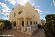 """Property Ref: 4048 Quad, East facing property model """"Isla Cristina"""" with communal swimming pool for sale in urb. La Marina (El Oasis).This fully furnished property offers terrace, living/dining room, independent kitchen, utility room, 3 bedrooms,1 bathroom, 1 washroom, air conditioning, pellet fire, parking space, solarium. This property is in excellent condition and it is situated in a quiet location with lovely views. An internal viewing is strongly recommended. Price: 99.500€"""