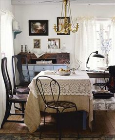 quaint eclectic dining area