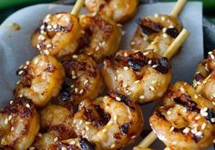 These Sesame Shrimp Skewers are the perfect dish for busy nights! Only 5 ingredients and a few minutes to make! Shrimp Recipes For Dinner, Shrimp Recipes Easy, Low Carb Dinner Recipes, Easy Soup Recipes, Crockpot Recipes, Keto Recipes, Steak Recipes, Dessert Recipes, Healthy Recipes