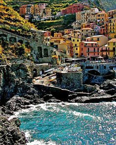 Cinque Terre, Italy. such a beautiful place!