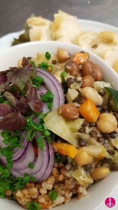 Salat mit Hülsenfrüchten - vegan -