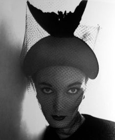 Irving Penn, Crescent Bicorne Hat (Evelyn Tripp), New York. Photo: Courtesy Peter Fetterman Gallery