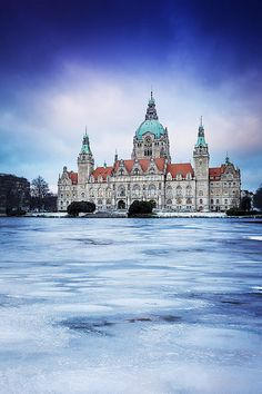New Town Hall & frozen Lake - Hannover, Lower Saxony - Germany