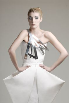 Sculptural Fashion - white origami dress with geometric silhouette; architectural fashion // Charlotta Mattsson