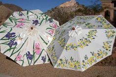 I'm thinking about painting our faded patio umbrella.or possibly dying it. This looks cute! Umbrella Painting, Umbrella Art, Garden Spider, Umbrellas Parasols, Garden Pond, Upcycle, Projects To Try, Art Pieces, Crafty