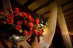 Copa de rosas rojas