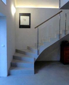 Escalier quart tournant - Informations sur les formes d'escaliers Modern Stair Railing, Modern Stairs, Railing Design, Staircase Design, Staircase In Living Room, Tiny House Stairs, House Staircase, Stairs Architecture, Architecture Design