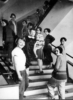 Estudiantes de la Bauhaus en Dessau. Fotografía por Lux Feininger. Ca. 1927. Photograph: Bauhaus Archive, Berlin.
