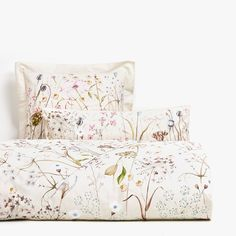 Botanicals and fall aren't usually mentioned in the same sentence, but Zara Home is on to something new. Bedroom Comforter Sets, Best Bedding Sets, Luxury Bedding Sets, Linen Bedding, Bed Linens, Zara Home, Beige Bed Linen, Restoration Hardware Bedding, Matching Bedding And Curtains
