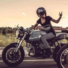 Rider Girl on Ducati Sport Classic Ducati Sport Classic, Ducati Monster, Motorbike Girl, Cafe Racer Motorcycle, Women Motorcycle, Lady Biker, Biker Girl, Rock Balboa, Image Moto