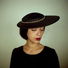 Chapeau Constance by Maison Anne-Sophie Coulot  https://www.facebook.com/pages/Maison-Anne-Sophie-Coulot/134842996645263?ref=hl