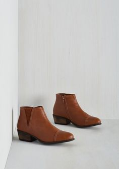 Landscape Hopping Bootie. For a sightseeing extravaganza, youll be glad you wore these warm brown booties. #brown #modcloth