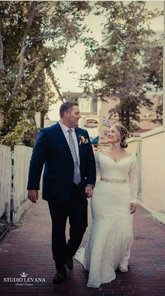 Real curvy bride in a plus size mermaid lace Lida wedding gown with off shoulder long sleeves from Studio Levana Rose Gold Wedding Dress, Mermaid Wedding Dress With Sleeves, Beach Wedding Bridesmaid Dresses, Gorgeous Wedding Dress, Dream Wedding, Wedding Attire, Wedding Hair, Wedding Stuff, Wedding Dresses For Curvy Women