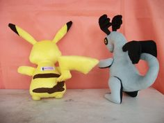 Pikachu e Dragão  Alt.31cm facebook Arts Nancy