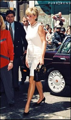 Princess Diana Argentina (not 1996 USA because she is wearing different shoes and carries a different handbag)