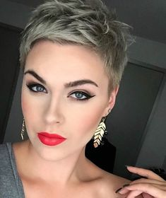 Today we have the most stylish 86 Cute Short Pixie Haircuts. We claim that you have never seen such elegant and eye-catching short hairstyles before. Pixie haircut, of course, offers a lot of options for the hair of the ladies'… Continue Reading → Super Short Hair, Short Brown Hair, Short Hair Cuts, Short Hair Styles, Thick Hair, Short Pixie Haircuts, Short Hairstyles For Women, Summer Hairstyles, Cool Hairstyles