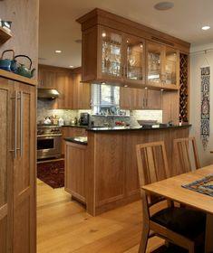une petite cuisine magnifique, cuisine ouverte sur salle à manger