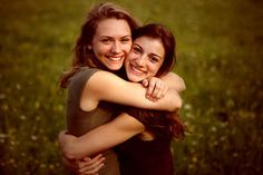 When you can do absolutely nothing together and STILL have the best time. | 37 Impossibly Fun Best Friend Photography Ideas
