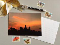 Cartolina Fotografica Alba Angkor  di ThePostcardsFactory su Etsy