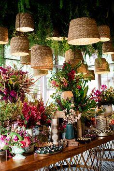 Flower Shop Decor, Flower Shop Design, Flower Shops, Flower Shop Interiors, Decoration Evenementielle, Deco Restaurant, Wedding Decorations, Table Decorations, Deco Floral