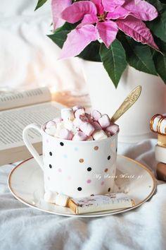 www.pl 2017 11 aromatyczne-kakao-z-piankami-marshmallow Kakao, Marshmallow, Tea Cups, Food And Drink, Autumn, Tableware, Sweet, Recipes, Candy