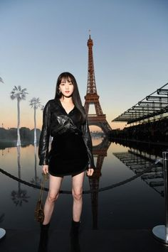 ASK K-POP Lee Sung-kyung, Eiffel Tower is also overwhelmed all black look Korean Actresses, Korean Actors, Actors & Actresses, Lee Sung Kyung Fashion, Weightlifting Fairy Kim Bok Joo, All Black Looks, Kpop, Korean Star, Asia Girl