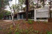 Sommerhaus in Argentinien / Beton im Wald - Architektur und Architekten - News / Meldungen / Nachrichten - BauNetz.de