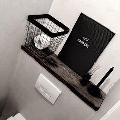T O I L E T | Wij wilden geen tegels op de muur dus hebben we beton cire in de wc en de badkamer! Dat hebben we zelf gedaan 😬 Op de foto… Turntable, Toilet, Instagram, Record Player, Flush Toilet, Toilets, Toilet Room, Bathrooms