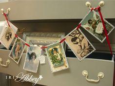 DIY Christmas Banners - Iris Abbey Christmas Banners, Diy Christmas, Living Room Interior, Interior Design Living Room, Design Trends, Iris, Holiday Decor, Home Decor, Interior Design
