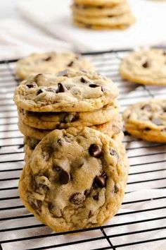 This copycat recipe for Mrs. Field's Chocolate Chip Cookies is easy to make. These large cookies are crisp on the edges and have a chewy center. #chocolatechip #mrsfields #copycatrecipe #copycat #cookies #baking #foodporn #yummy #dessert #bestcookierecipe #easycookie Cheesecake Desserts, Köstliche Desserts, Delicious Desserts, Dessert Recipes, Bar Recipes, Kitchen Recipes, Copycat Recipes, Recipes Dinner, Family Recipes