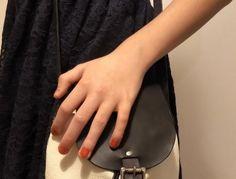 Malá dívčí kožená kabelkaDívčí kabelka pře rameno, která poskytne dostatek prostoru pro mobilní telefon, peněženku nebo třeba malý diář a svazek klíčů. Kabelka je ručně šitá, vyrobena z kvalitní španělské chromem činěné kůže (usně) s výraznou kresbou, přičemž dno a zavírání je vyrobeno z kůže přírodní, hlazené. Šití je ruční, sedlářským stehem.Kabelka se zavírá jednak utažením koženého řemínku pomocí klasické brzdičky a následně ještě zapínáním na pevnou sedlářskou přezku ve stříbrné barvě. P Monogram, Bags, Fashion, Handbags, Moda, Fashion Styles, Monograms, Fashion Illustrations, Bag
