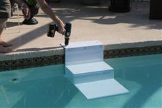 Paws Aboard Pool Pup Steps Using dog stairs in the pool keeps everyone happy; you stay dry while providing a safe, easy escape for your happily-swimming dog. Did you know that each year approximately Above Ground Pool Decks, Above Ground Swimming Pools, In Ground Pools, Ideas De Piscina, Moderne Pools, Dog Stairs, Backyard Pool Landscaping, Patio, Landscaping Edging