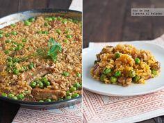 arroz con costillas y guisantes frescos